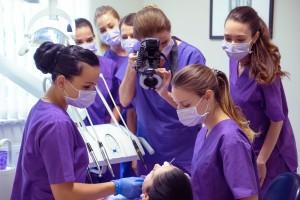 Közös munka a Dentoplant Fogászati és Implantológiai Rendelőben Szegeden